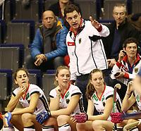 Trainer Akim Bouchouchi gesture,  <br /> / Sport / Hockey Hnhockey / World Championships Weltmeisterschaft Damen /  2017/2018 / 07.02.2018 / GER BRGermany vs. Russland  *** Local Caption *** © pixathlon<br /> Contact: +49-40-22 63 02 60 , info@pixathlon.de