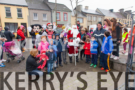 Santa Arrives in Cahersiveen part of the Cahersiveen Traders Day 10% Discount Day on Saturday.