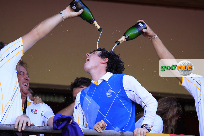 Rory McIlroy and Europe Celebrate after winning the Ryder Cup in Mondays Singles at the 2010 Ryder Cup at the Celtic Manor, Newport, Wales, 4th October 2010..Picture Manus O'Reilly/www.golffile.ie