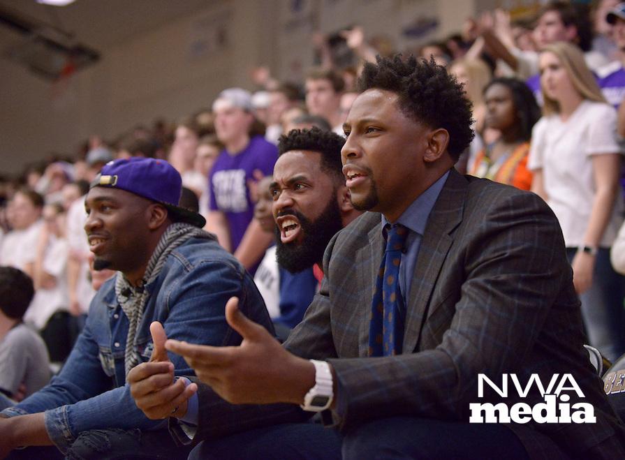 NWA Democrat-Gazette/BEN GOFF @NWABENGOFF<br /> Bentonville vs Fayetteville basketball on Friday Feb. 26, 2016 in Bentonville's Tiger Arena.