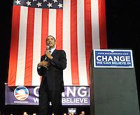 Barack Obama speaks to a crowd of 8,000 plus in San Antonio on February 29th at the Verizon Wireless Ampitheater  (Marvin Pfeiffer/PressPhotoIntl.com)