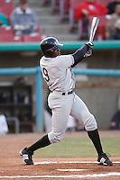 April 9  2007: Justin Upton of the Visalia Oaks bats against the High Desert Mavericks at Mavericks Stadium in Adelanto,CA.  Photo by Larry Goren/Four Seam Images