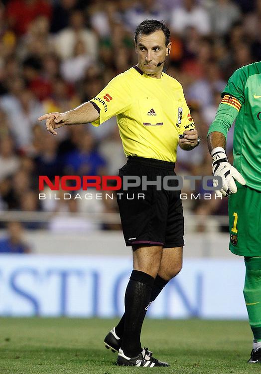 Spanish referee Jose Antonio Teixeira Vitienes during La Liga match.September 1,2013. Foto © nph / Acero)