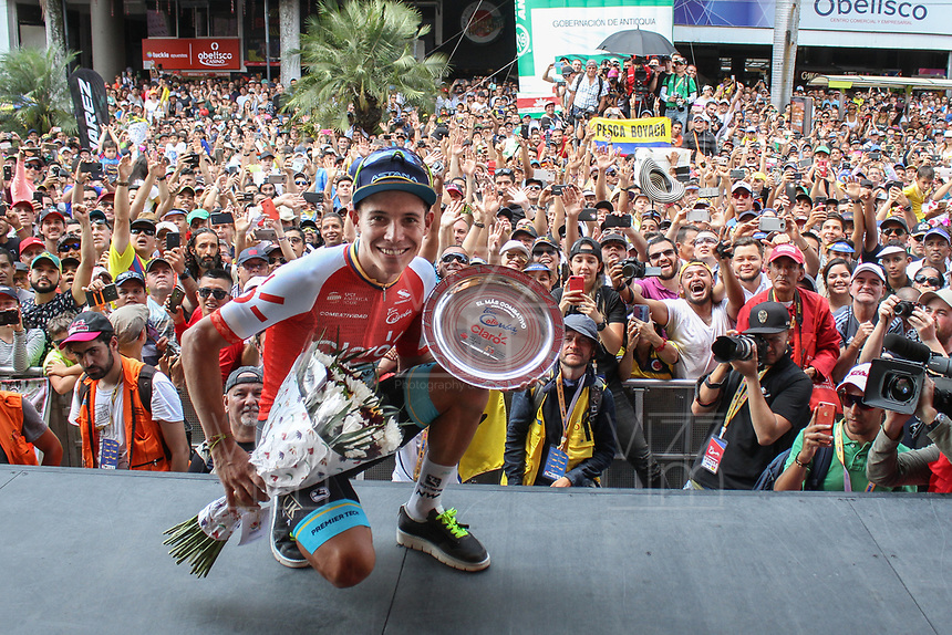 MEDELLIN - COLOMBIA, 15-02-2019: Miguel Angel Lopez (COL), ASTANA, celebra como líder de la combatividad después de la cuarta etapa del Tour Colombia 2.1 2019 con un recorrido de 144 Km, que se corrió con salida y llegada en el estadio Atanasio Girardot de la ciudad de Medellín. / Miguel Angel Lopez (COL), ASTANA, celebrates as most combative after the fourth stage of 144 km of Tour Colombia 2.1 2019 that ran with start and arrival in Atanasio Girardot stadium in Medellin city.  Photo: VizzorImage / Fedeciclismo Prensa