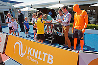 Netherlands, Rosmalen , June 10, 2015, Tennis, Topshelf Open, Autotron, Kidsday,  Indy de Vroome and Lesley Kerkhove (NED), signing aurographs<br /> Photo: Tennisimages/Henk Koster