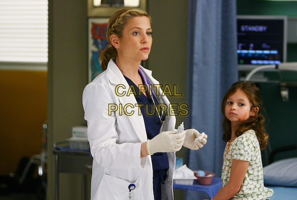 "JESSICA CAPSHAW, DESTINY WHITLOCK.in Grey's Anatomy, season 5 episode 21 ""Not Good at Saying Sorry (One More Chance)"" .*Filmstill - Editorial Use Only*.CAP/NFS.Supplied by Capital Pictures."