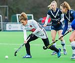AMSTELVEEN -  Maria Verschoor (A'dam)  met rechts Anouk Lambers (Pin)    tijdens de hoofdklasse competitiewedstrijd dames, Pinoke-Amsterdam (3-4). COPYRIGHT KOEN SUYK