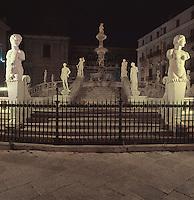 Piazza Pretoria and the Pretoria fountain.<br /> Piazza Pretoria, Palermo.