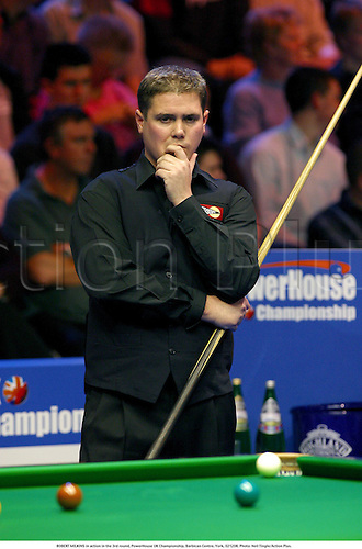 ROBERT MILKINS in action in the 3rd round, PowerHouse UK Championship, Barbican Centre, York, 021208. Photo: Neil Tingle/Action Plus....2002.snooker