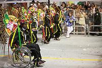 SAO PAULO, SP, 19 DE FEVEREIRO 2012 - CARNAVAL SP -  AGUIA DE OURO - Desfile da escola de samba Aguia de Ouro na segunda noite do Carnaval 2012 de São Paulo, no Sambódromo do Anhembi, na zona norte da cidade, neste domingo. (FOTO: RICARDO LOU  - BRAZIL PHOTO PRESS).
