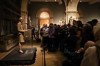 New York (EUA), 22/04/2019 - Cultura - Eua - MET - Um programa informal no Medieval Sculpture Hall, onde os especialistas em Met que estão familiarizados com a Catedral de Notre-Dame explica sobre sua importância. Em uma exibição especial para esta ocasião, estará um manuscrito do século 15 de Jean Fouquet, A Mão Direita de Deus Protegendo os Fiéis contra os Demônios, que retrata Notre-Dame. Também perto estará o chefe do Rei David do século XII do Met - originalmente parte do rico programa de decoração escultural de Notre-Dame, mas decapitado durante a Revolução Francesa. A Pont Neuf (1849 a 1850), de Johan Barthold Jongkind, na qual o horizonte é pontuado pelas torres da catedral, também estará à vista na European Paintings Gallery 812. no Metropolitan Museum of Art em Nova York nos Estados Unidos nesta segunda-feira, 22. (Foto: Vanessa Carvalho/Brazil Photo Press)