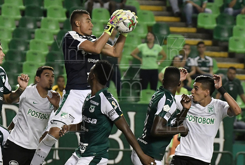 PALMIRA - COLOMBIA, 21-08-2019: Johan Wallens arquero del Cali en acción durante el partido entre Deportivo Cali y Atlético Nacional por la fecha 7 de la Liga Águila II 2019 jugado en el estadio Deportivo Cali de la ciudad de Palmira. / Johan Wallens goalkeeper of Cali in action during match for the date 7 between Deportivo Cali and Atletico Nacional of the Aguila League II 2019 played at Deportivo Cali stadium in Palmira city. Photo: VizzorImage / Gabriel Aponte / Staff