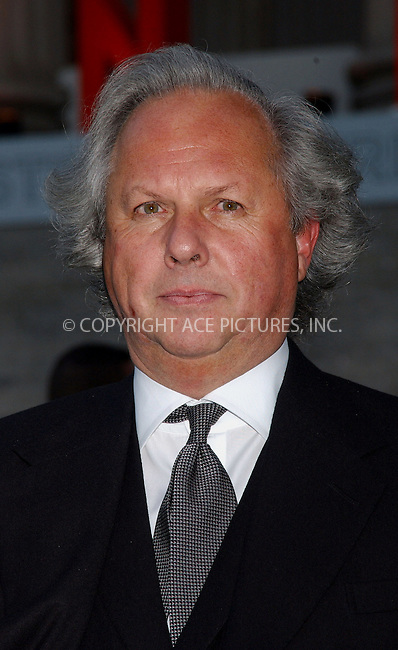 WWW.ACEPIXS.COM . . . . . ....APRIL 26, 2006 - NEW YORK CITY....Graydon Carter attends Vanity Fair's Tribeca Film Festival party at the State Supreme Courthouse in New York City.......Please byline: KRISTIN CALLAHAN - ACEPIXS.COM.. . . . . . ..Ace Pictures, Inc:  ..(212) 243-8787 or (646) 679 0430..e-mail: picturedesk@acepixs.com..web: http://www.acepixs.com
