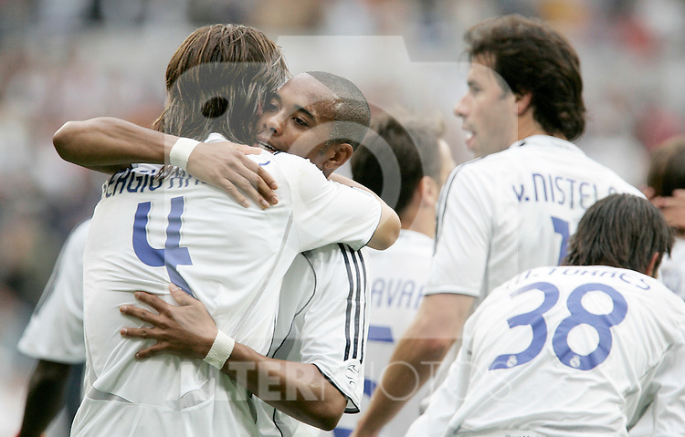 Real Madrid's Sergio Ramos is congratulated by Robinho after scoring during Spain's La Liga match between Real Madrid and Deportivo de La Coruna at Santiago Bernabeu stadium in Madrid, Sunday May 26, 2007. (ALTERPHOTOS/Alvaro Hernandez).