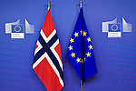 BRUSSELS - BELGIUM - 21 January 2015 -- Norwegian flag in the EU-Commission with the EU flag. -- Photo: Juha ROININEN / EUP-IMAGES / Prime Ministers Office