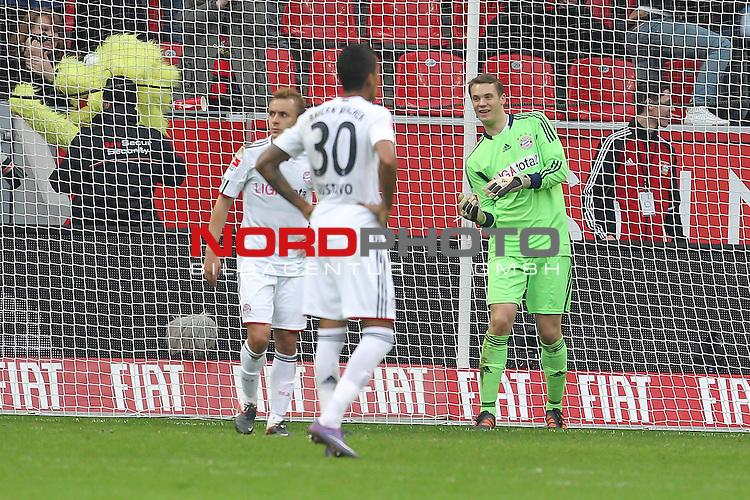 03.03.2012,  BayArena, Leverkusen, GER, 1.FBL, Bayer 04 Leverkusen vs FC Bayern Muenchen, im Bild<br /> von links: Philipp Lahm (Muenchen #21), Luiz Gustavo (Muenchen #30) und Manuel Neuer (Torwart Muenchen) nach dem 1:0 von Stefan Kiessling (Leverkusen #11)<br /> <br /> // during the 1.FBL, Bayer Leverkusen vs FC Bayern Muenchen on 2012/03/03, BayArena, Leverkusen, Germany. Foto &copy; nph / Mueller *** Local Caption ***