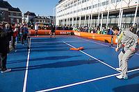 Februari 06, 2015, Apeldoorn, Omnisport, Fed Cup, Netherlands-Slovakia, Draw, Cityhall, streeftennis with Jacco Eltingh<br /> Photo: Tennisimages/Henk Koster