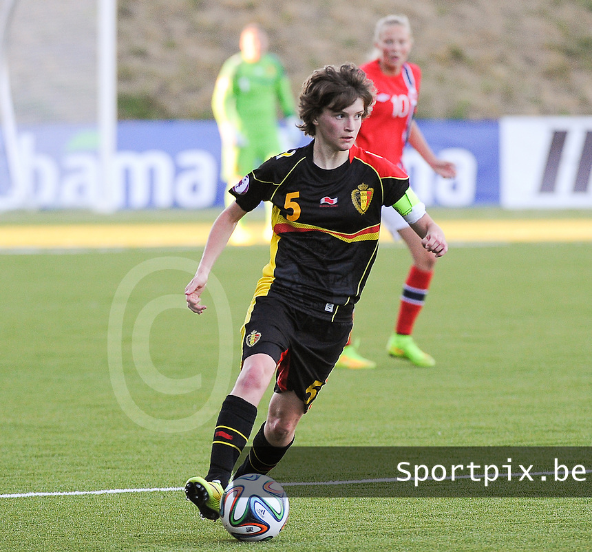 20140718 - Tonsberg , NORWAY : Belgian Tinne Van Den Bergh pictured during the female soccer match between Women under 19 teams of Norway and Belgium , on the second matchday in group A of the UEFA Women Under19 European Championship at Tonsberg Stadion , Norway . Friday 18th July 2014 . PHOTO DAVID CATRY