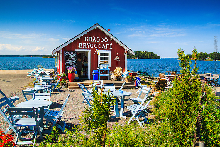 Café vid Gräddö brygga Roslagen Stockholms skärgård.