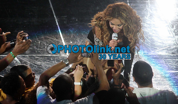 Beyonce 2009, Photo By John Barrett/PHOTOlink