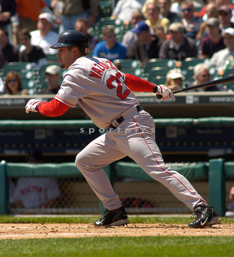 Ramon Vasquez of the Boston Red Sox in action against the Seattle Mariners...Red Sox win 2-1..Chris Bernacchi / SportPics