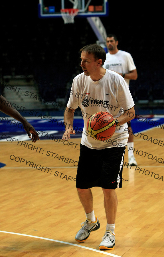 French national basketball team head coach Vincent Collet during training session in Vilnius, Lithuania, Eurobasket 2011, Tuesday, September 6, 2011. (photo: Pedja Milosavljevic)