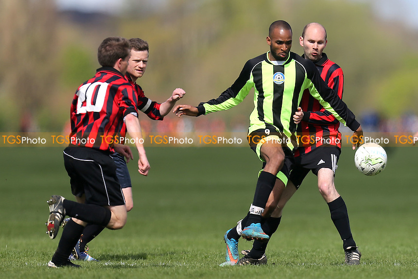 Eagle FC vs South London Sharks, Hackney & Leyton Sunday League Junior Cup Final Football at Hackney Marshes on 17th April 2016Eagle FC vs South London Sharks (red), Hackney & Leyton Sunday League Junior Cup Final Football at Hackney Marshes on 17th April 2016