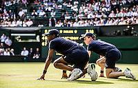 Ambience<br /> <br /> Tennis - The Championships Wimbledon  - Grand Slam -  All England Lawn Tennis Club  2013 -  Wimbledon - London - United Kingdom -Saturday  1st July 2013. <br /> &copy; AMN Images, 8 Cedar Court, Somerset Road, London, SW19 5HU<br /> Tel - +44 7843383012<br /> mfrey@advantagemedianet.com<br /> www.amnimages.photoshelter.com<br /> www.advantagemedianet.com<br /> www.tennishead.net