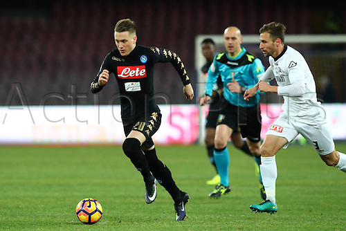 10.01.2017. Stadio San Paolo, Naples, Italy. Coppa Italia Round of 16, Napoli versus Spezia. Piotr Zielinski of Napoli runs with the ball. Also shown Nahuel Valentini of Spezia. Napoli won the game 3-1.