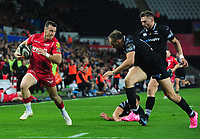 Scarlets' Gareth Davies in action during todays match<br /> <br /> Photographer Ashley Crowden/CameraSport<br /> <br /> Guinness Pro14 Round 6 - Ospreys v Scarlets - Saturday 7th October 2017 - Liberty Stadium - Swansea<br /> <br /> World Copyright &copy; 2017 CameraSport. All rights reserved. 43 Linden Ave. Countesthorpe. Leicester. England. LE8 5PG - Tel: +44 (0) 116 277 4147 - admin@camerasport.com - www.camerasport.com