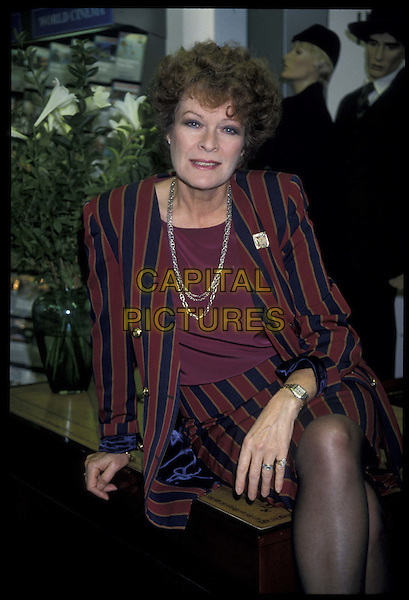 JANET SUZMAN.Ref: 896.half length, half-length.*RAW SCAN- photo will be adjusted for publication*.www.capitalpictures.com.sales@capitalpictures.com.©Capital Pictures