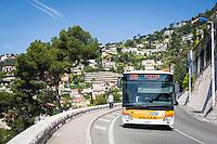 France, Provence-Alpes-Côte d'Azur, Villefranche-sur-Mer: with bus line 100 from Villefranche via Monaco to Menton for just one EURO fare | Frankreich, Provence-Alpes-Côte d'Azur, Villefranche-sur-Mer: mit der Buslinie 100 von Villefranche ueber Monaco bis Menton fuer nur einen EURO, Fahrtzeit ca. 30 Minuten - da kann man auf das eigene Auto gern verzichten und hat ausserdem keine Parkplatzsorgen