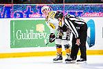 Stockholm 2013-12-07 Ishockey Elitserien AIK - Skellefte&aring; AIK :  <br /> Skellefte&aring;s George Bud Holloway har ont efter en n&auml;rkamp <br /> (Foto: Kenta J&ouml;nsson) Nyckelord:  AIK Skellefte&aring; SAIK skada skadan ont sm&auml;rta injury pain