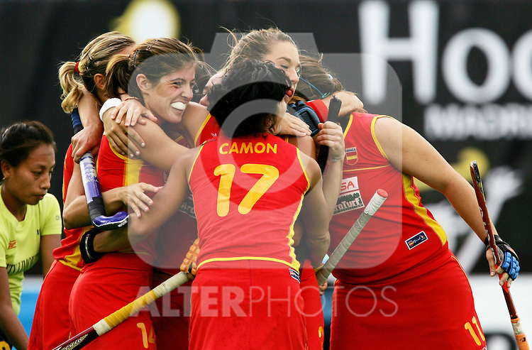 Spain's players celebrate during Samsung Women's World Cup Hockey Pool A match between Spain and India at Club de Campo in Madrid, Tuesday 03 October, 2006. (ALTERPHOTOS/Alvaro Hernandez).