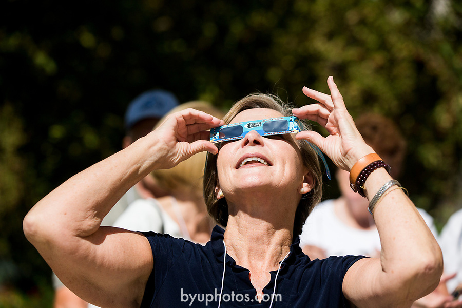 1708-56 Solar Eclipse on Campus 017<br /> 1708-56 Solar Eclipse on Campus <br /> <br /> <br /> August 21, 2017<br /> <br /> Photography by Gabriel Mayberry /BYU