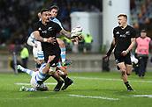9th September 2017, Yarrow Stadium, New Plymouth. New Zealand; Supersport Rugby Championship, New Zealand versus Argentina; New Zealands Vaea Fifita offloads to New Zealands Damian McKenzie