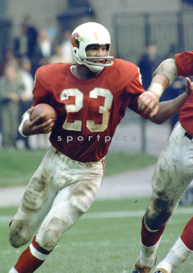 St. Louis Cardinals Johnny Roland (23) during a game from his career with the St. Louis Cardinals.  Johnny Roland played for 8 years with 2 different teams and was a 2-time Pro Bowler.(SportPics)