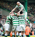 :: CELTIC'S GARY HOOPER IS CONGRATULATED BY TEAM MATES AFTER HE SCORES CELTIC'S SECOND  ::