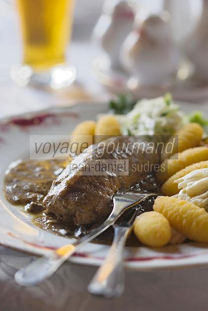 """Europe/Pologne/Lodz: Roulé de veau aux champignons au restaurant """"Klub Spadkolercow"""" Club des Héritiers"""