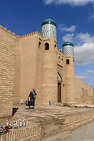 Eingang zur Festung in der Altstadt Ichan Qala, Chiwa, Usbekistan, Asien, UNESCO-Weltkulturerbe<br /> entrance of the fortress in the  hitoric city Ichan Qala, Chiwa, Uzbekistan, Asia, UNESCO heritage site