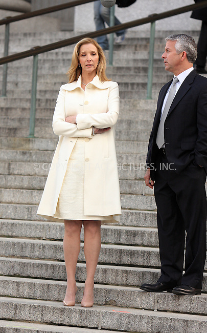 "WWW.ACEPIXS.COM . . . . .  ....December 18 2008, New York City....Actress Lisa Kudrow on the set of the movie "" 17 Photos of Isabel"" in lower Manhattan on December 18 2008 in New York City....Please byline: AJ Sokalner - ACEPIXS.COM..... *** ***..Ace Pictures, Inc:  ..tel: (212) 243 8787..e-mail: info@acepixs.com..web: http://www.acepixs.com"
