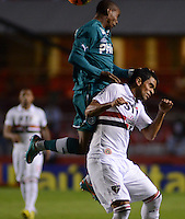 SAO PAULO SP, 05 Junho 2013 -  SAO PAULO X GOIAS -   Lance    com Maycon durante partida válida pela quarta rodada do campeonato brasileiro de 2013 no Estádio do Morumbi em São Paulo, nesta quarta , 06. (FOTO: ALAN MORICI / BRAZIL PHOTO PRESS).
