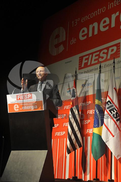 SAO PAULO, SP, 06 DE AGOSTO 2012 – 13 ENCONTRO INTERNACIONAL DE ENERGIA - Paulo Skaf presidente da FIESP durante abertura do 13º Encontro Internacional de Energia, realizado no inicio da tarde de hoje no Hotel Unique, na capital. O encontro promove um debate sobre legalidade  de concessões do setor eletrico. (FOTO: THAIS RIBEIRO / BRAZIL PHOTO PRESS).