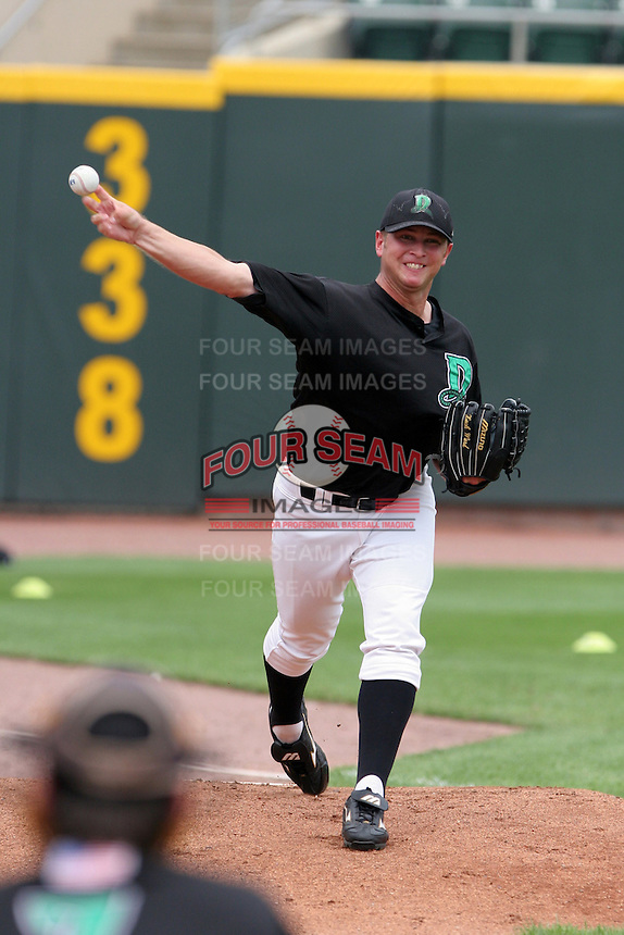 Dayton Dragons Zach Ward during practice before a Midwest League game at Fifth Third Field on July 18, 2006 in Dayton, Ohio.  (Mike Janes/Four Seam Images)
