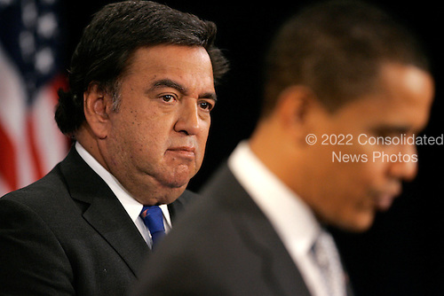 Chicago, IL - December 3, 2008 -- United States President-elect Barack Obama (L) stands with Secretary of Commerce designee and New Mexico Governor Bill Richardson as he answers questions from reporters at news conference in Chicago on December 3, 2008..Credit: Brian Kersey - Pool via CNP