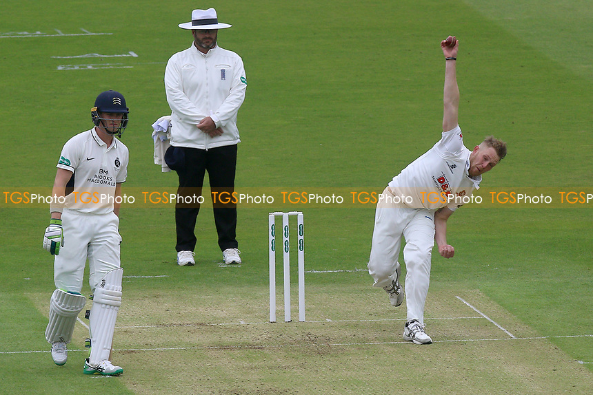 Jamie Porter in bowling action for  Essex during Middlesex CCC vs Essex CCC, Specsavers County Championship Division 1 Cricket at Lord's Cricket Ground on 21st April 2017
