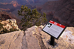Warning sign on the ege of the south rim of the Grand Canyon, Grand Canyon National Park, Arizona