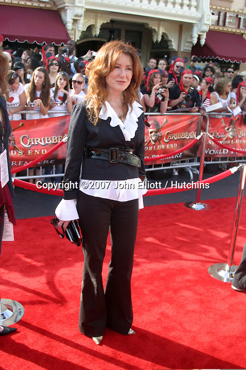 """Mary McDonnell.""""Pirates of the Caribbean: At World's End"""" Premiere.Disneyland.Anaheim, CA.May 19, 2007.©2007 John Elliott / Hutchins...."""