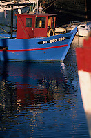 Europe/France/Bretagne/22/Côtes d'Armor/Paimpol: Vieux bateau de pêche sur le port