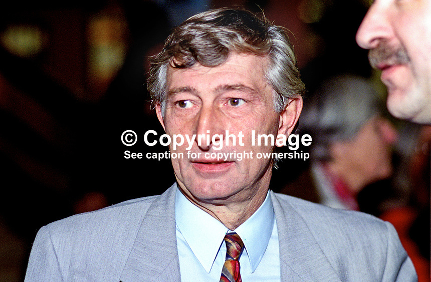 Roger Stott, MP, UK, Labour Party, 199609101.<br />